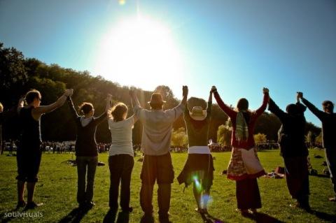 earthdance-people2